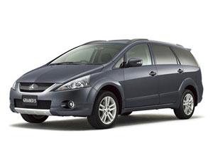 Mitsubishi-Grandis-2.4-Auto