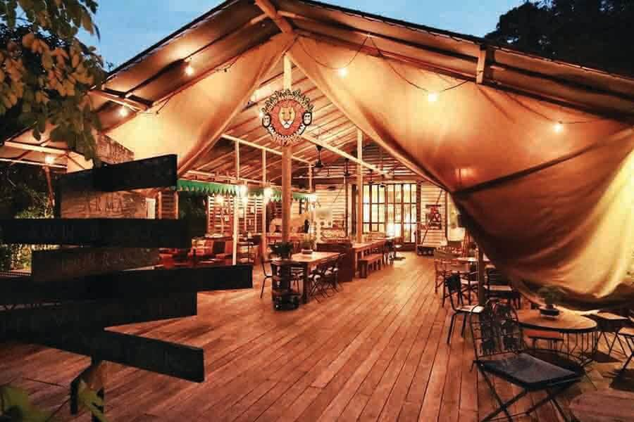 safari themed cafe in Singapore